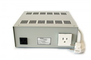 ATSS3000 - 230/110V 3000VA step-down autotransformer (metal housing, 2 outlets) with inrush current limiter